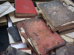 Souvenirs inondés,  dans Mes envies de dire, moldy_books-300x225