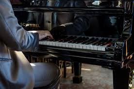 dernier piano bar